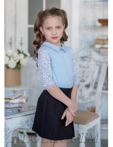"""Блузка трикотажная голубого цвета с кружевными рукавами и воротничком """"Твилла"""""""